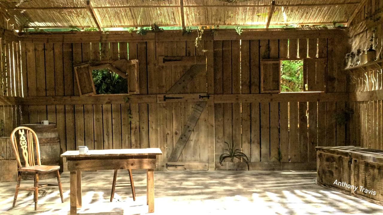 The set: an abandoned hut in the Malaysian jungle